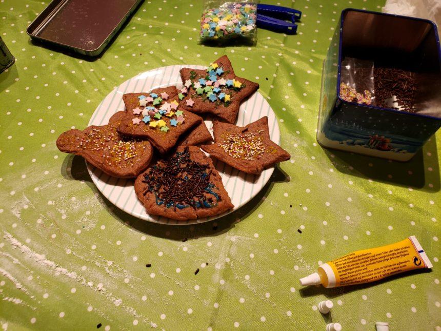 Weihnachtsbäckerei bei den MiniPiraten